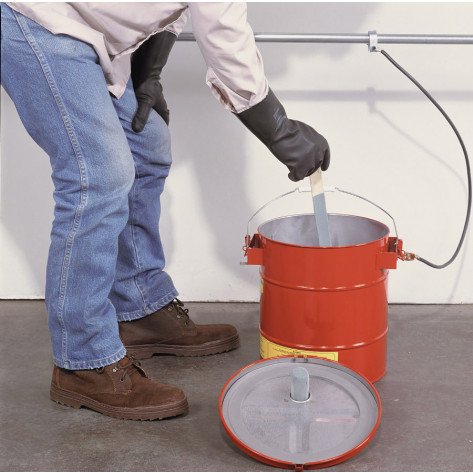 Mixing Tank, Portable, 5 gal, removable cover w/flame arrester, s/c spout, bonding tab, Steel, Red.