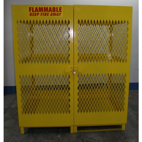 16 Cylinder Steel Vertical Propane Locker 72 X 62 X 42 Yellow